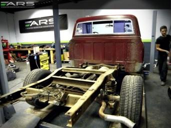 Démontage pour restauration complète du Pick up ARS Chevrolet C10 1968