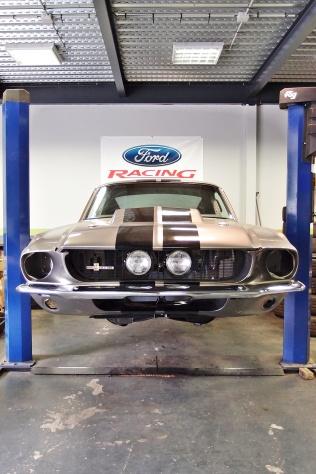 Restauration complète de cette Ford Mustang Fastback 1967 - big block FE 462ci